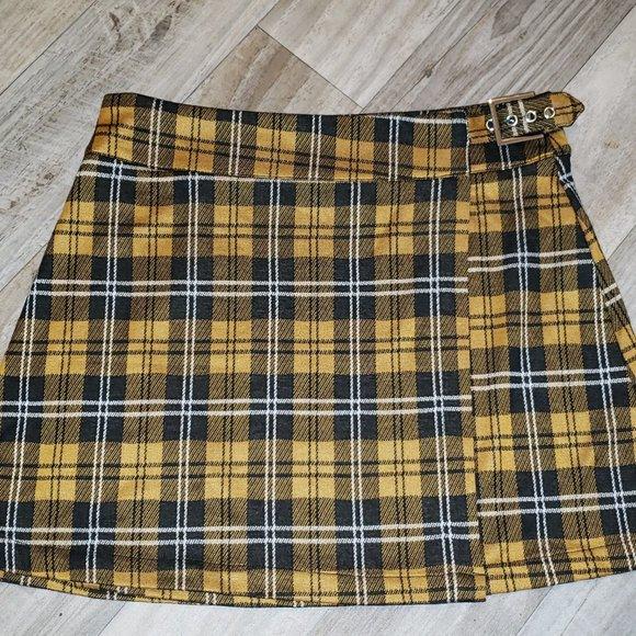 AE Yellow/Black Plaid/Tartan Skirt/Kilt